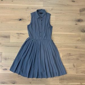 Dusty blue banana republic pleated dress size 6 T
